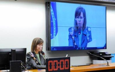 Câmara aprova PL com emenda da Professora Dorinha que prevê antecipação do grupo prioritário de vacinação aos trabalhadores da Educação