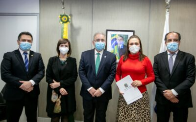Dorinha e Bancada pedem adequações da remessa de imunizantes contra Covid-19
